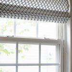 Бело-черные римские шторы из хлопка