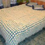 Белоснежный плед на двуспальную кровать своими руками