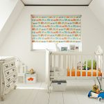 Деревянная кроватка для маленького ребенка