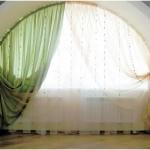 Гибкий карниз для оформления большого окна в виде арки