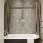 Карниз для шторы вокруг ванной в форме прямоугольника