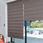 Каскадные римские шторы коричневого цвета