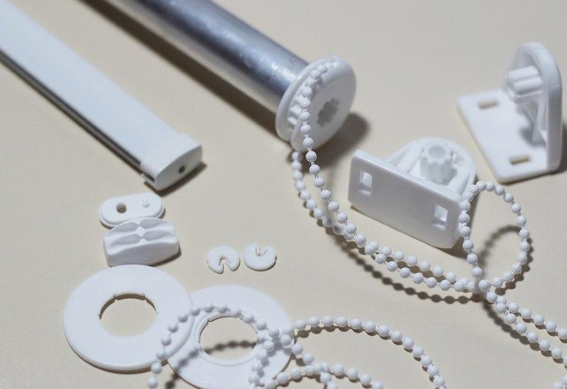 Пластиковые детали для шторы рулонного типа