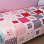 Красивое одеяло-покрывало в спальню девочки