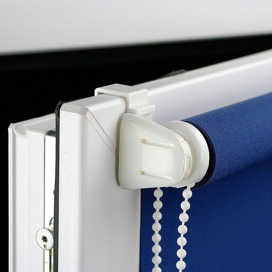 Монтаж рулонной шторы на кронштейны без сверления рамы