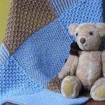 Плед для малыша из отдельных квадратов в спокойных тонах
