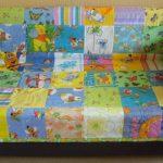 Покрывало на детский диванчик из лоскутков с детскими рисунками