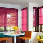Розовые роллеты из прозрачной ткани