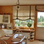 Римские шторы с бантиками для кухонного окна и двери