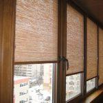 Балконные окна с роллетами открытого типа