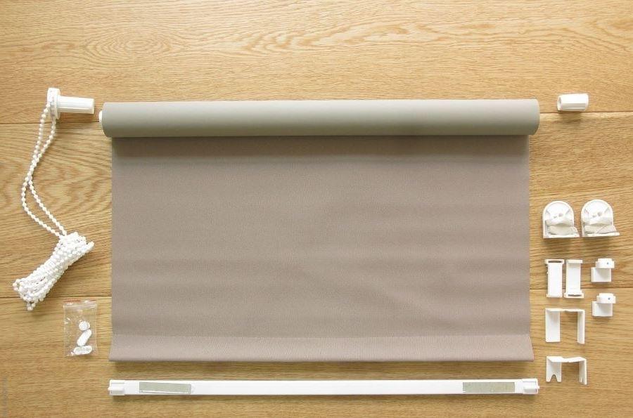 Пример комплектации мини-шторы рулонного типа