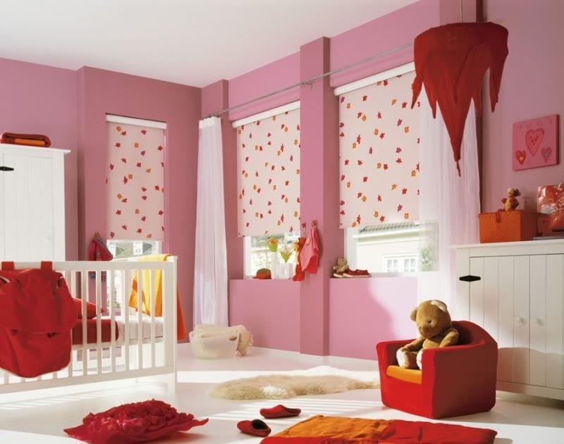 Интерьер комнаты для девочки с розовыми стенами