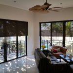 Оформление панорамных окон рулонными шторами