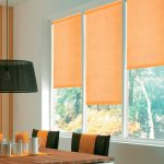 Оранжевые шторы рулонного типа