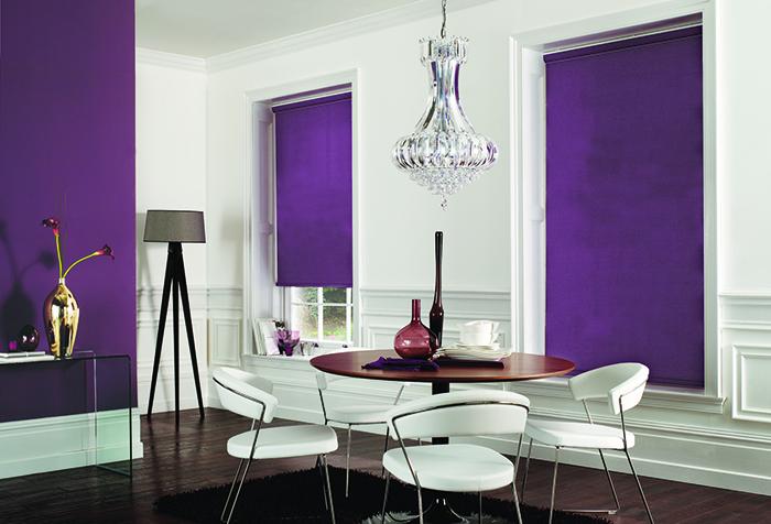 Рулонные шоры из фиолетовой ткани