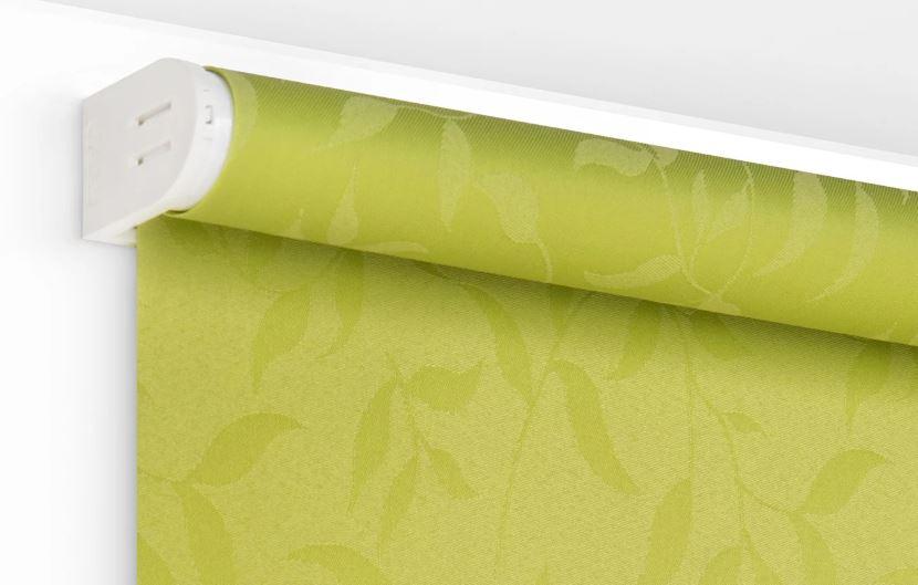 Зеленая рулонная штора из полиэстера