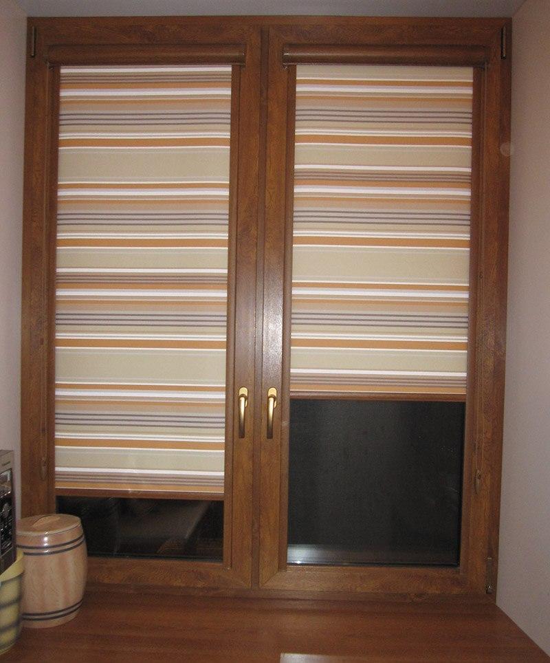Полосатые рулонные шторы кассетного типа