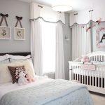 Светлые гардины в детской комнате