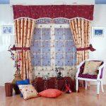 Тюль, шторы и ламбрекен с цветочным рисунком