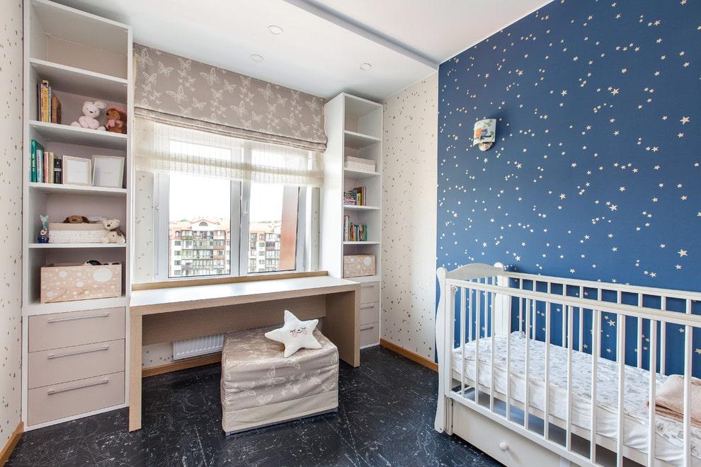 Интерьер детской комнаты с римскими шторами двойного типа