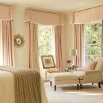 Интерьер большой спальни в частном доме