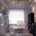 Винтажные светильники на стене офиса