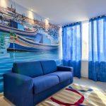 Синий цвет в оформлении интерьера зала