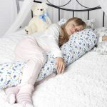 Г-образная подушка для беременных с детским рисунком