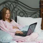 Г-образная подушка для сна и хорошего времяпровождения