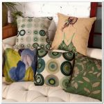 Крашенные подушки с разными рисунками