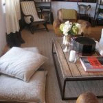 Красивые и удобные напольные подушки для гостей