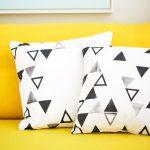 Квадратные подушки с треугольничками