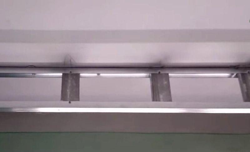 Сооружение каркаса ниши для потолочного карниза