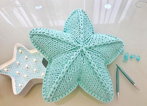 Мягкая подушка в форме звезды