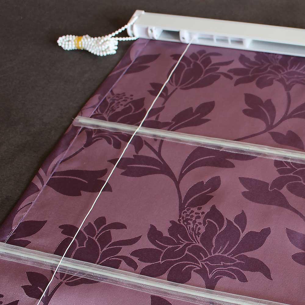 Подъемный шнур на полотне римской шторы