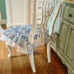 Оригинальная подушка с бантиками для сиденья