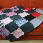 Плед из квадратиков - новая вещь из старых