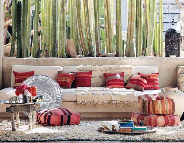 Напольные подушки в тон к диванным