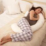 Подушка-рогалик идеальна для постели небольших габаритов