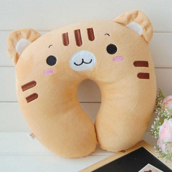Подушка с изображением животного