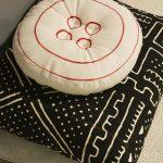 Подушка с пуговицей для напольного сидения