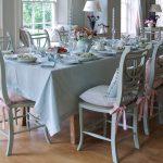 Подушки для стульев в пастельных тонах