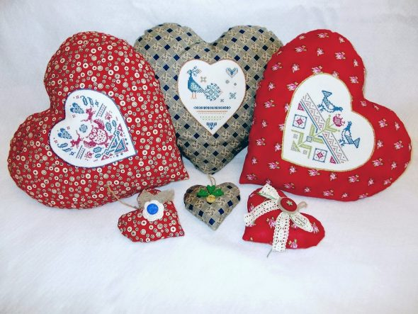 Подушки в форме сердца