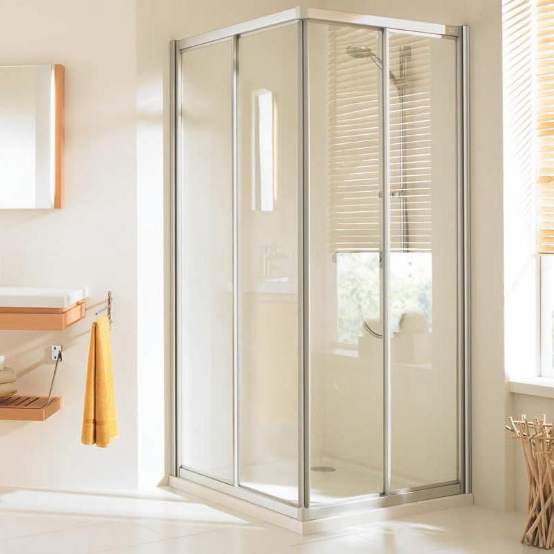 Угловой душ с раздвижными шторками
