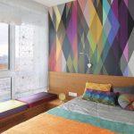 Прозрачные римские шторы в спальной комнате