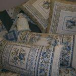 Шикарные подушки в стиле прованс для разных случаев