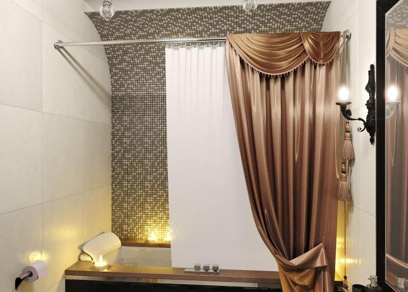 Атласная штора в интерьере ванной комнаты