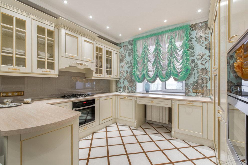 Французские шторы в классической кухне