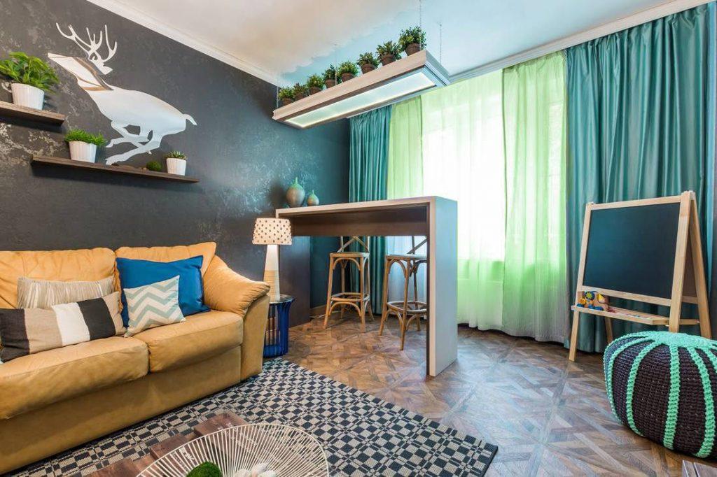 Серая стена в современной гостиной