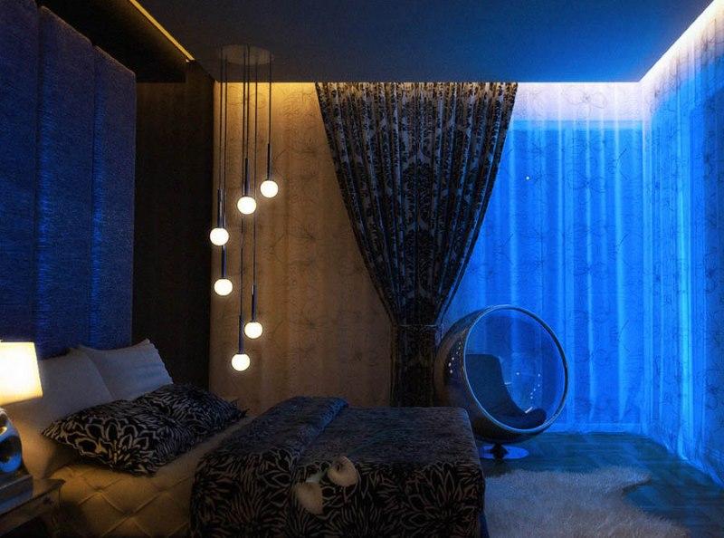 Подсветка ниши со скрытым карнизом в спальне